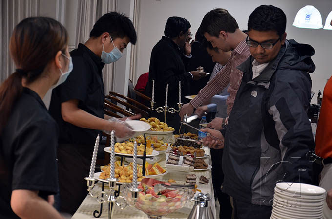 Students are enjoying buffet during the break