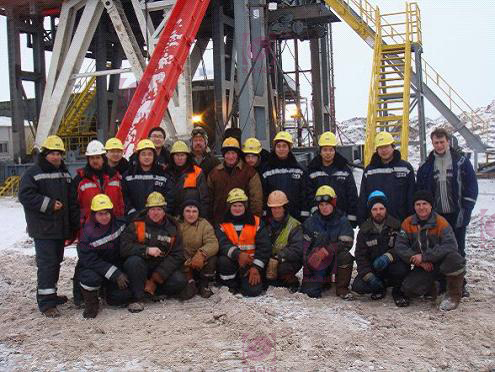 This is a group pic of KOSUN's technicians and Russian drilling crew fighting with the extreme coldness on the site of Jetby Oilfield in Aktau,Kazakhstan.
